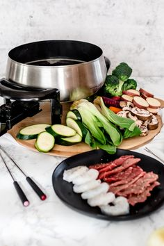 fondue An easy and delicious broth fondue to share with friends The Melting Pot, Fondue Recipe Melting Pot, Broth Fondue Recipes, Melting Pot Recipes, Kabob Recipes, Party Recipes, Beef Recipes, Healthy Recipes, Cheese Fondue Dippers