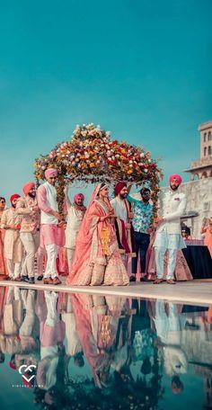 Top Wedding Photographers In Delhi NCR - ShaadiWish Professional Wedding Photography, Top Wedding Photographers, Indian Wedding Photography, Photography Couples, Desi Wedding Decor, Wedding Guest Style, Wedding Photographer Outfit, Destination Wedding Photographer, Indian Wedding Pictures