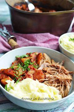 Friptura de porc cu ţelină este o reţetă perfecta pentru pranz sau cina, care presupune un timp minim de pregatire. Cuptorul este cel care face toată treaba Jamie Oliver, Food Inspiration, Ethnic Recipes, Pork