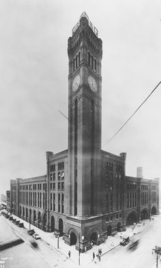 Chicago's Grand Central Station, Wells and Harrison Streets, 1922.