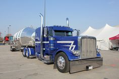 Peterbilt 389, clean and cool. At Mid-America Truck Show 2017.