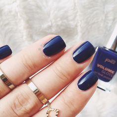 Selten schönes blau! Volume gloss sind tolle Nagellacke!