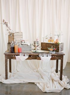 A STUNNING cocktail table / Photography By / http://ktmerry.com,Coordination By / http://aisle-candy.com