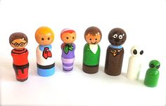 Scooby Doo Shaggy & Friends Wood Peg Dolls Set of 7 Cartoon Character Toy Children Toddler Dollhouse Play Waldorf Halloween Cake Toppers