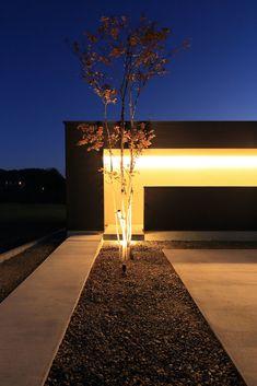 Entrance Lighting, Exterior Design, Sidewalk, Architecture, Interior, Garden, House, Houses, Shapes