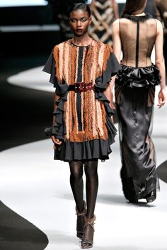 Viktor & Rolf Fall 2012 Ready-to-Wear Collection Photos - Vogue