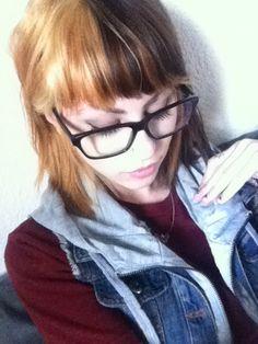 Tags: two tone brown blonde dark scene hipster girl pretty hair color short bangs shorthair