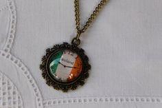 """Kette """"Uhr Ireland""""  von Aus Muddi's Schmuckkästchen auf DaWanda.com"""