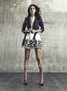 La collezione a/i 2015-2016 di Silvian Heach è adatta alle giovani donne che amano lo stile rock-glam, abiti sexy e di alta sartorialità.