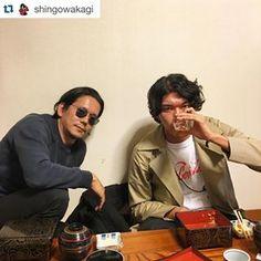八百徳で鰻。 #Repost @shingowakagi 小浪くんと訓市くん。訓市さんのラジオ番組traveling without moving この後20時から。浜松の方はFM ハローで! #hamamatsu #unagi #kunichi_nomura #konamijiro #jirokonami #travelingwithoutmoving