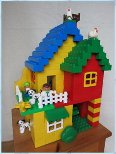 Spiel und Spaß House from Duplo Rattan Furniture and Your Home Article Body: Rattan Furniture and Yo Lego Design, Hama Beads Minecraft, Perler Beads, Manual Lego, Casa Lego, Lego Club, Lego Craft, Lego System, Lego For Kids