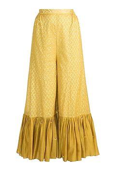 Brocade Blouse Designs, Gharara Designs, Salwar Designs, Kurta Designs Women, Kurti Designs Party Wear, Pakistani Fashion Party Wear, Pakistani Dress Design, Stylish Dress Designs, Designs For Dresses