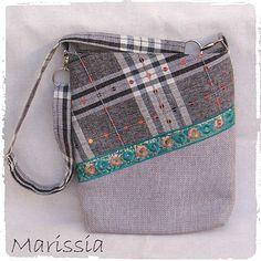 Sac bandoulière gris fait main en tissu : Sacs bandoulière par marissia