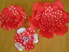 Set of 3 Red Paper Flowers, Big Paper Flower, Extra Large Flower, Red and White Flower, Floral Wall Decor, Wall Paper Flowers, Paper Wedding by ThePurpleDream on Etsy