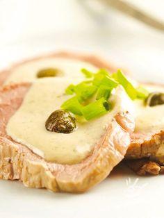 Pork in gorgonzola sauce - Molto gustoso, il Maiale in salsa al gorgonzola è un vero e proprio jolly della buona cucina. E la cremina di formaggio esalta il piatto alla perfezione. #maialealgorgonzola