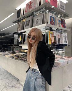 Black Pink Yes Please – BlackPink, the greatest Kpop girl group ever! Album Design, Ysl, Lisa Black Pink, Black Pink Rose, Blackpink Members, Rose Park, Blackpink Fashion, Korean Fashion, Park Chaeyoung