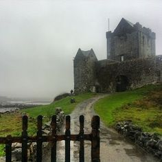 Dunguaire Castle in Co. Galway I've been by this castle! The Places Youll Go, Places To See, Medieval, Ireland Travel, Galway Ireland, Castle Pictures, England And Scotland, Abandoned Places, Places To Travel