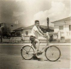Rua Pirambóia, ano de 1962, Vila Santa Isabel, São Paulo. Colaborou com a foto: José Leite Garcia
