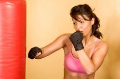 Kickboxing is hands down the Queen of Calorie Burn among traditional fitness classes for both gym and at-home workouts. Bar Workout, Boot Camp Workout, Boxing Workout, Kick Boxing, Workout Ideas, Workout List, Kickboxing Training, Kickboxing Classes, Fitness Tips