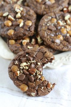 Fudgey Caramel Turtle Cookies from @Mercedes Porter