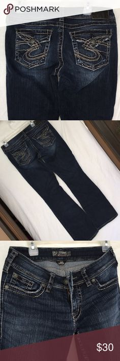 Maurices Silver Brand Jeans Inseam 32in. Small stitch undone on butt (seen pic 1) Maurices Jeans Boot Cut