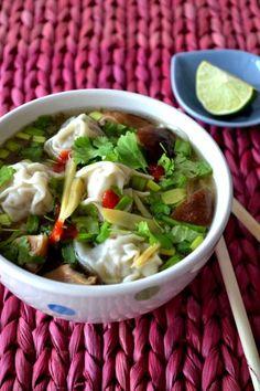 vietnamese pho noodle soup with wontons / zupa pho z wonton