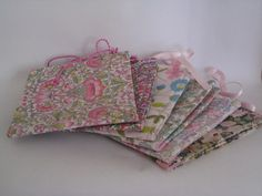 sanitary pouches (Liberty fabric) www.abricot-et-lavande.ch