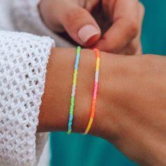 Beaded Bracelets Tutorial, Beaded Bracelet Patterns, Handmade Bracelets, Beaded Jewelry, Beaded Necklaces, Diy Friendship Bracelets Tutorial, Making Beaded Bracelets, Bracelet Designs, Diy Jewelry