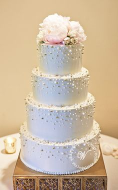Scattered Pearl Wedding Cake | Flickr - Photo Sharing!