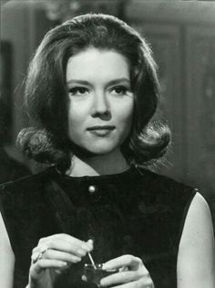 42848e05e8 Actress Diana Rigg from The Avengers with a perfect flip hairstyle!