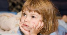 Les techniques comportementales se sont révélées les plus efficaces auprès des nourrissons et des enfants qui résistent au sommeil à l'heure du coucher ou se réveillent pendant la nuit.