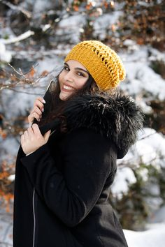 Portrait dans la neige Winter Hats, Photos, Fashion, Outdoor Portraits, Photography, Moda, Fashion Styles, Fasion, Cake Smash Pictures