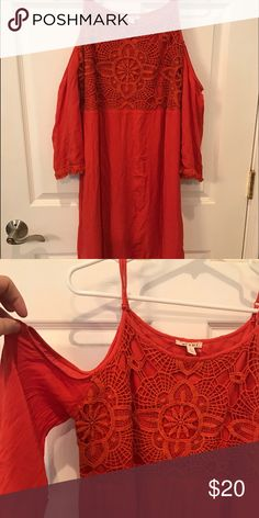 Open shoulder dress This is a burn orange dress past the knees and has open shoulder design. Purchased from Francesca's and wore one time at the beach. Beautiful dress miami Dresses Long Sleeve