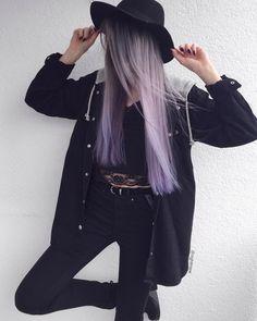 I don't have a face, lol.  • • • • • • #outfitoftheday #outfit #haircolour #hairdye #alternativehair #longhair #alternativegirl…