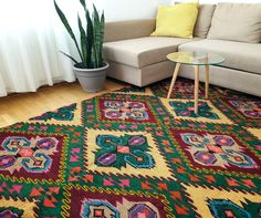 Nature colors in a rug. Wool handwoven carpet made in South Romania. Your cosy . Color Splash, Vintage Rugs, Vintage Items, Wool Carpet, Contemporary Decor, Romania, Wool Rug, Cosy, Hand Weaving