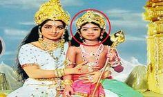 जयललिता की गोद में बैठी इस स्टार एक्ट्रेस को पहचानते हैं?  #Jayalalithaa #BollywoodNews #SrideviNews