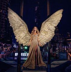 063720a4940 Золотое платье в пол в пайетках Быстрая Мода