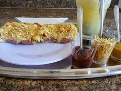 Piteisdadinha: CACHORRO QUENTE DE FORNO NA MARMITA French Toast, Mexican, Breakfast, Ethnic Recipes, Buttermilk Pancakes, Sweets, Savoury Finger Food, Texture, Morning Coffee