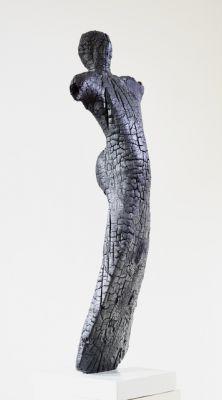 Domina Ventum by Radu Marian Bota 2016 Sculpture made of wood, produced by charring Sculptură din lemn, produsă prin carbonizare Skulptur aus Holz, im Verkohlungsverfahren hergestellt Sculpture en bois, réalisée par carbonisation 106 x 26 x 26 cm x x in
