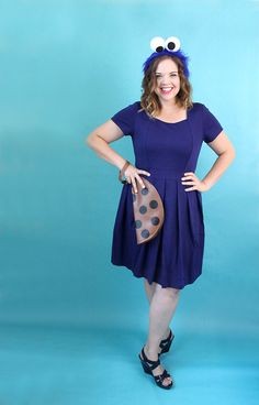You may have seen ideas for how to use an LBD (little black dress) to create a quick last minute Halloween costume, but what about a little BLUE dress? Here are 30 Last Minute Halloween Costume Ideas Using a Blue Dress! Different Halloween Costumes, Last Minute Halloween Costumes, Halloween Dress, Diy Halloween, Happy Halloween, Easy Disney Costumes, Easy Costumes, Costumes For Women, Costume Ideas