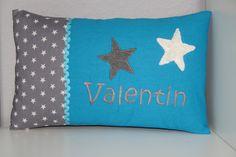 Namenskissen - ♥ Kissen ★ Sterne ★ mit Namen bestickt + Inlett ♥ - ein Designerstück von Traumfabrik-Vynen bei DaWanda
