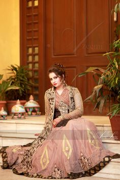 Azeemi studio photography Beautiful Bride, Beautiful Dresses, Bridal Looks, Party Wear, Indian Fashion, Pakistani, Brides, Facebook, Studio