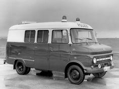 Opel Blitz 1.9t Polizei '1968–75 Antique Trucks, Vintage Trucks, Car Camper, Campers, Old Lorries, Automobile, Police Cars, Police Vehicles, Bike Equipment