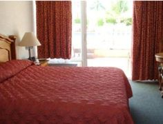 Booking.com: Roma Golden Glades Resort - North Miami, EE.UU. Hotel Roma, Miami, Bed, Furniture, Home Decor, Hotels, Homemade Home Decor, Stream Bed, Home Furnishings