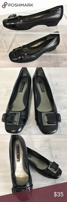 BANDOLINO Holden Black Leather Buckle Flats size 6 BANDOLINO Holden Black Leather Flats. Charming Gunmetal buckle detail.  Patent leather trim. Excellent used condition.  Size 6 Bandolino Shoes Flats & Loafers