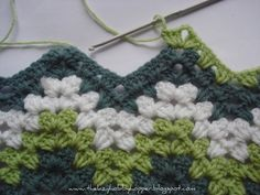 How to crochet a granny ripple. I don't do a lot of crochet at the moment, but this would make a pretty sweet blanket.