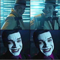 is closer to you, Batman City, Batman Comic Art, Batman Robin, Gotham Tv Series, Gotham Cast, Dc Comics, Batman Comics, Gotham Joker, Joker And Harley Quinn