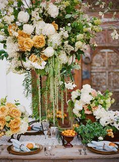 Design by Karen Tran Florals   Photo: Stephanie Williams of This Modern Romance