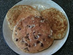 1/3 c. cottage cheese  1/3 c. quick oats (not instant)  2 eggs  1/8 tsp maple extract  sprinkle of cinnamon  1/2 tsp baking powder  1 scoop VI Shake (dry)