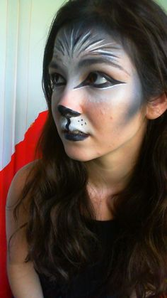 woman wolf makeup, this is what I did (well my mom did) on my face this halloween Werewolf Makeup, Werewolf Girl, Werewolf Face Paint, Amazing Halloween Makeup, Halloween Make Up, Halloween Face Makeup, Halloween 2014, Wolf Costume Women, Adornos Halloween
